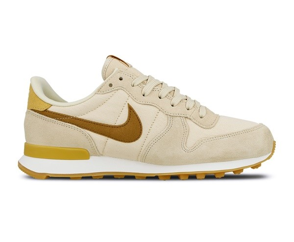 NIKE CHICA WMNS INTERNATIONALIST BEIGE ORO